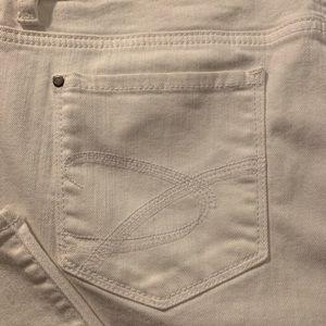Chico's Platinum White Crop Jeans SZ 2